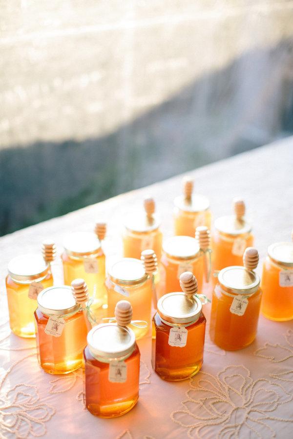 Мед в подарок на свадьбу гостям