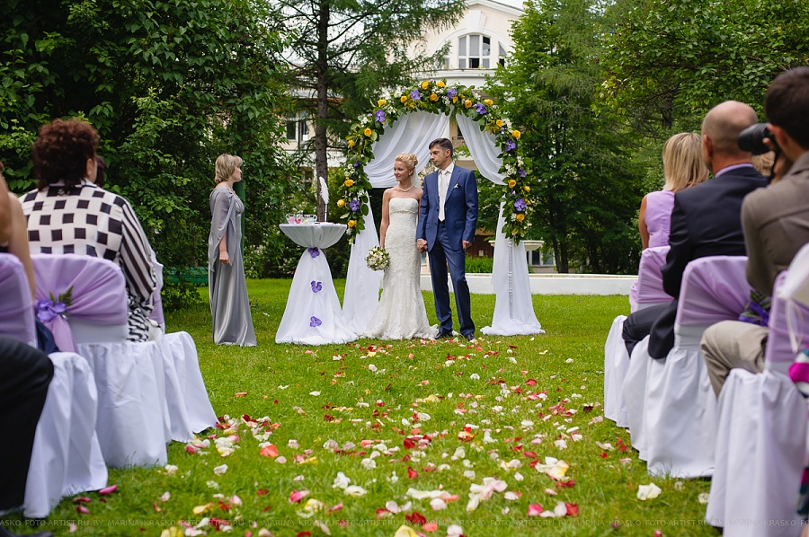 Сколько стоит выездная регистрация брака в москве